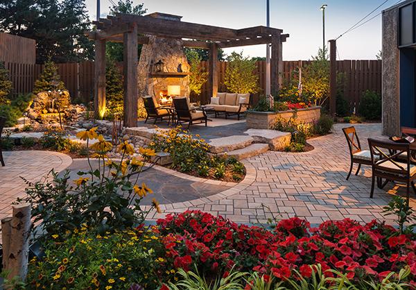 04-TV-Studio-Everybody\'s-Backyard   Landscape Management
